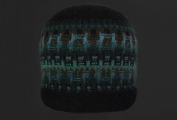 Picture of blac hat