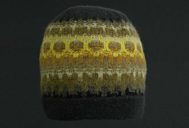 Picture of hat in Gold.