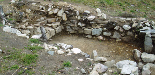 The foundation of the large house after excavation. Photo: Kristina Lindholm, Bohusläns museum 2005.